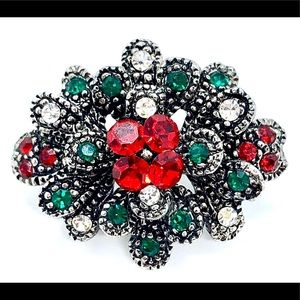 Pretty Holiday Brooch - Victorian Style Christmas
